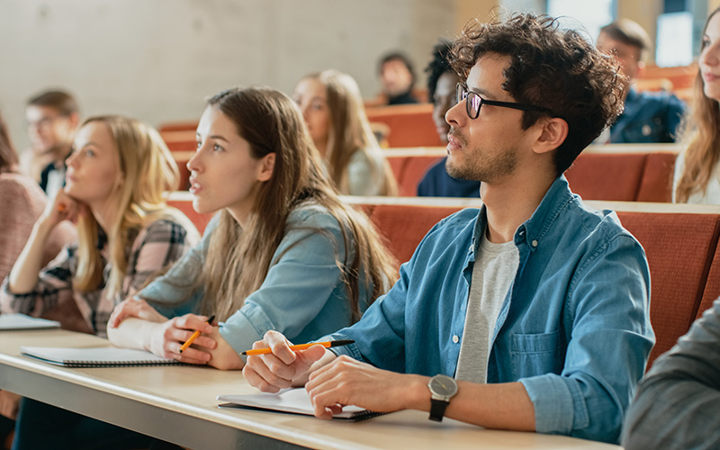 UK College Admissions | Smaller Class Sizes